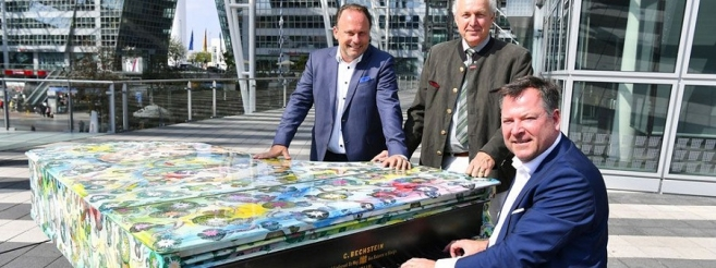 """Play Me I'm Yours"" – Pianos for All Throughout Munich"