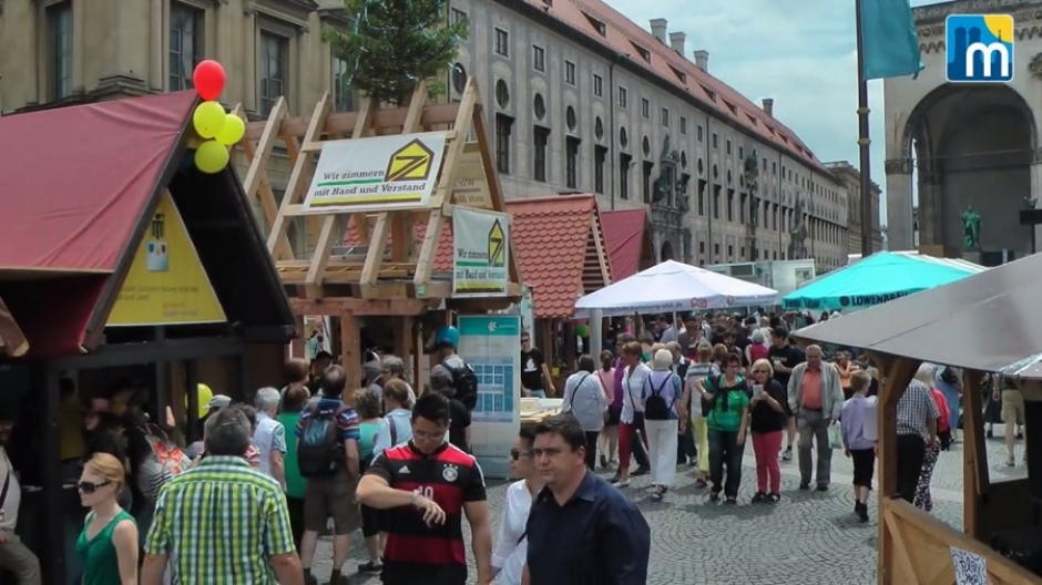 Town Foundation Festival at the Marienplatz, June 18-19