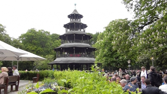 Munich's Beer Gardens: Beer Garden at the Chinese Tower