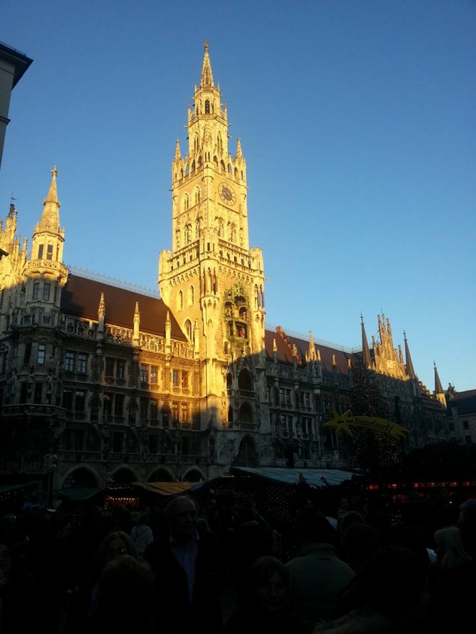 A Sunday Stroll Through Christkindlmarkt in Munich