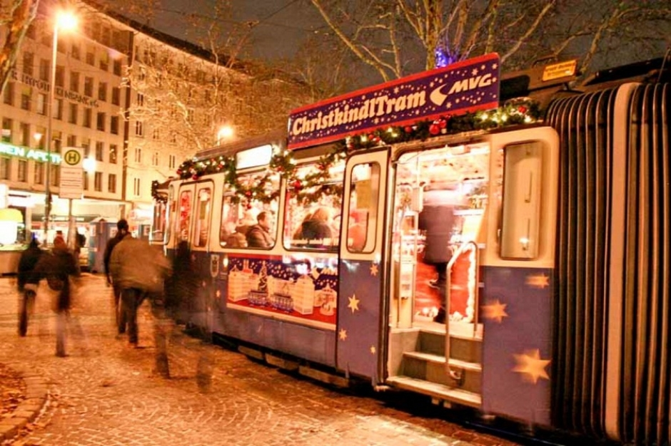 Tour of Winter Munich by Christmas Tram