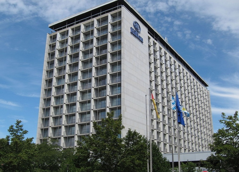 Five star hotels hilton munich park for Five star hotel