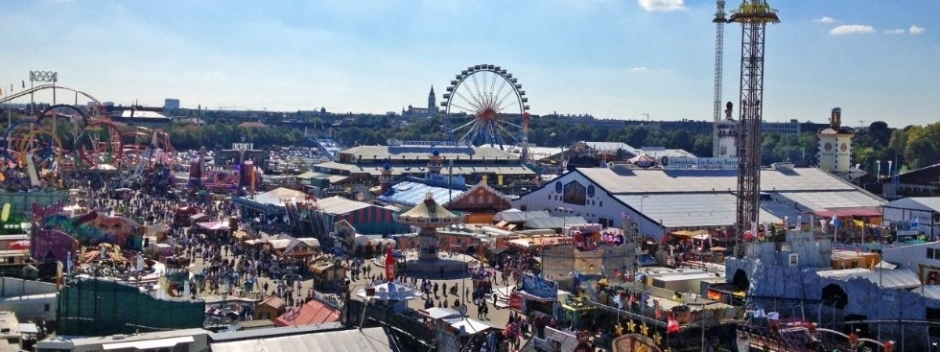 Oktoberfest – Germans Like Sitting Next to Germans Best